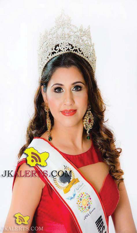 Taru Katoch Nargotra of Jammu Mrs Global India Sinagore-2015